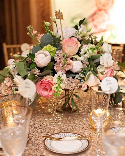 Floral Centerpieces For Dining Tables Dining Room Table Centerpieces Ideas Buungi
