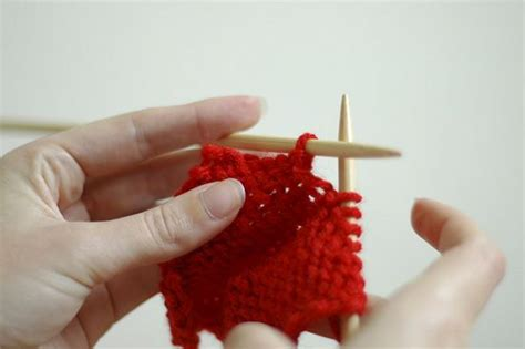 knitting for left handed beginners 17 best images about knitting for left handers on
