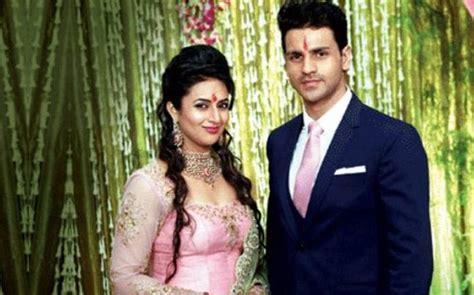 vivek dahiya child divyanka tripathi engaged to yeh hai mohabbatein co star