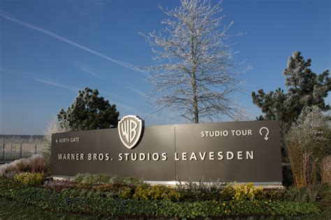 warner bros studios leavesden wbsl warner bros studios leavesden opens for business