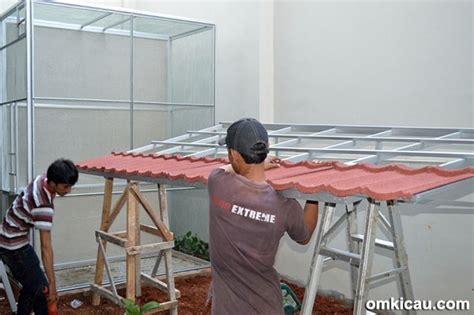 Berapa Kawat Ram kandang ternak murai batu model 3 pintu beratap genteng klub burung