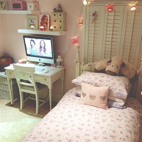 zoella bedroom is that zoella and tanya burr i see xo my room