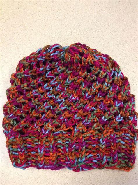 circle loom knitting patterns last minute slouchy hat by isela using loom pattern