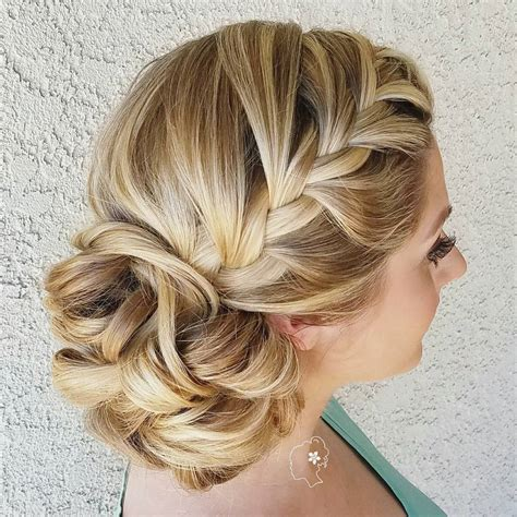 Wedding Bridesmaid Hairstyles by 40 Irresistible Hairstyles For Brides And Bridesmaids