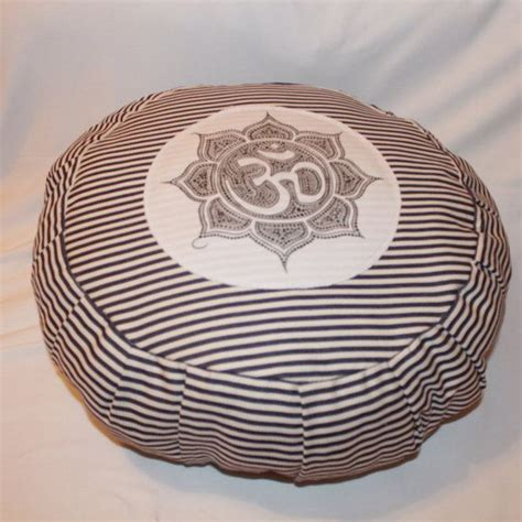 pattern for zafu meditation cushion yoga pillow meditation pillows zafu my future room
