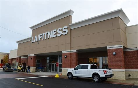 Arlington Heights Furniture Stores La Fitness Other New Businesses Opening In Arlington Heights
