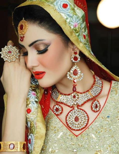 Latest Best Pakistani Bridal Makeup Ideas   Crayon