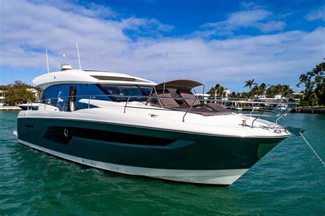 yacht prestige   coupe  luxury boats yacht