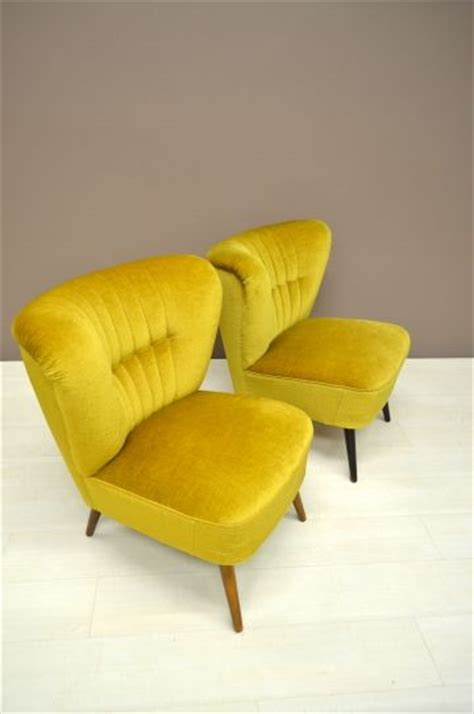 Mustard Colored Stool by 50 S Cocktail Stool 50 S Cocktail Chair In Mustard Yellow Velvet Upholstery Velvet Chairs