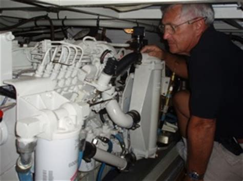 boat mechanic job outlook degree overview associates a a degree in boat mechanics