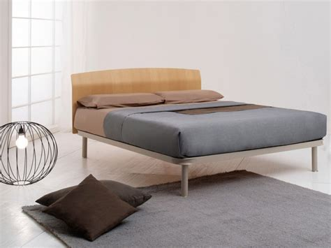 testiere letto legno notturnia testiera letto in legno dorsal simplicity idea