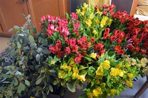 Bulk Wedding Flowers by Fall Diy Wedding Flowers Hip Digs