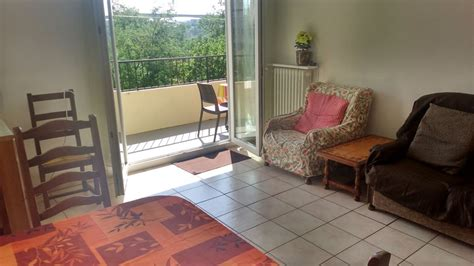3 bedroom apartment labeled 6 7 per homeaway rodez