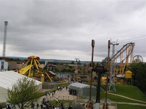 theme park yorkshire flamingo land theme park 169 karen vernon cc by sa 2 0