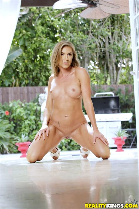 Hot Milf Is Fucking Her New Gardener Photos Johnny Castle
