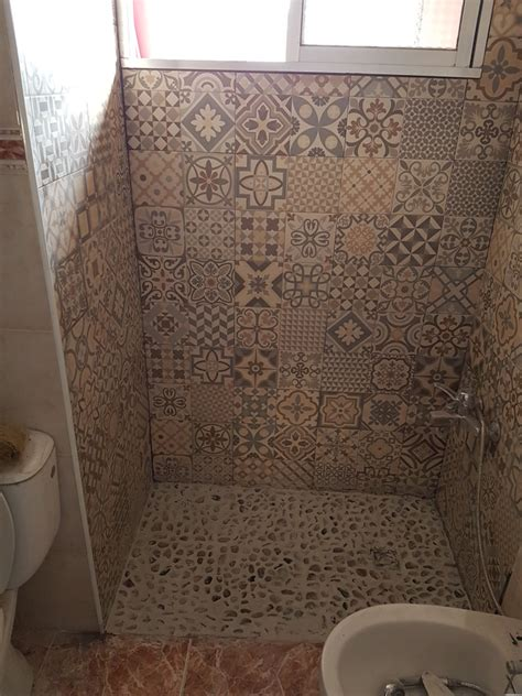 plato de ducha de obra precio foto azulejos y plato ducha de obra con piedras de