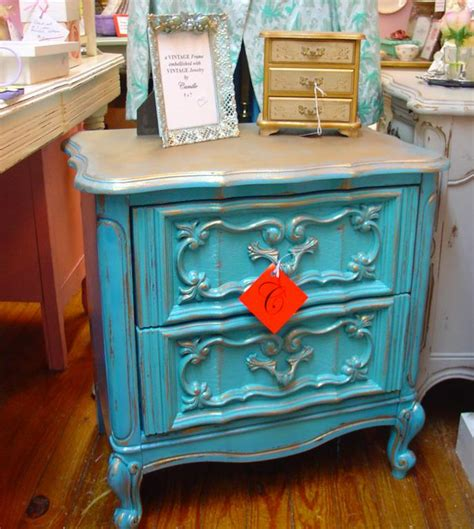 painting old furniture 4 great ways to rev old furniture noah interiors