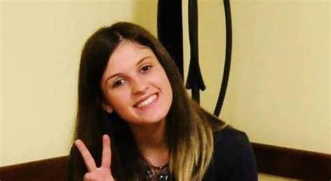 lettere moderne macerata muore a 19 anni studentessa di lettere colpita da un malore