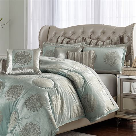 michael amini comforter michael amini regent bedding in king and queen sizes