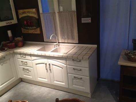 tavoli da cucina lube gallery of tavoli da cucina lube cucine moderne rosse