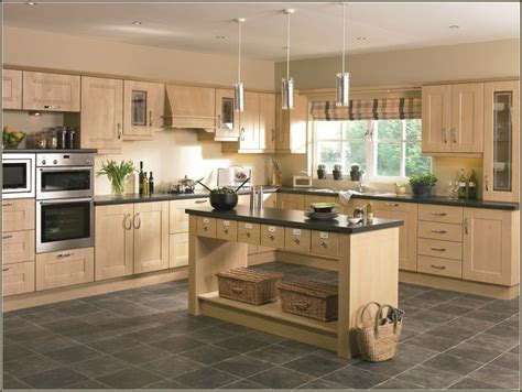 birch kitchen cabinets 25 best ideas about birch cabinets on pinterest maple