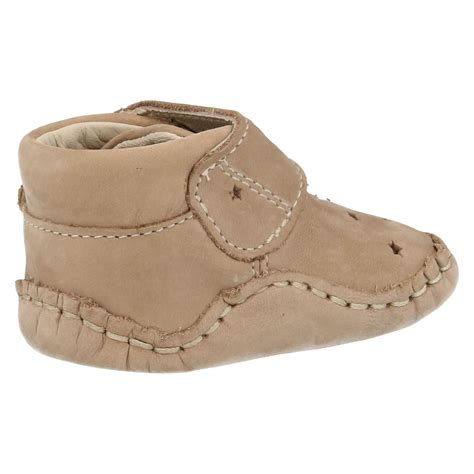 clarks baby shoes clarks baby boys pram shoes baby pie