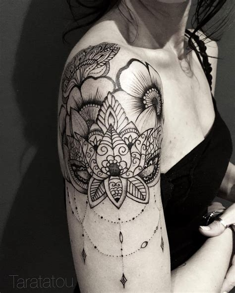 tattoo lotus epaule taratatou tattoo tatouage lotus mandala flowers