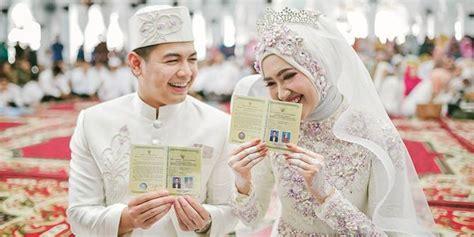foto dekorasi pernikahan tommy kurniawan lisya