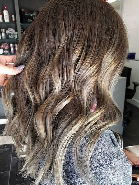 trendy haircuts ideas strawberry bronde balayage bob by kellymassiashair trendy hair color ideas 2017 2018 beige and bronde highlights and lowlights fashioviral net