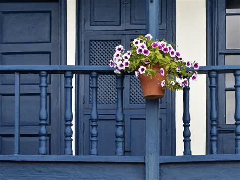 außengeländer balkon blumenkasten idee