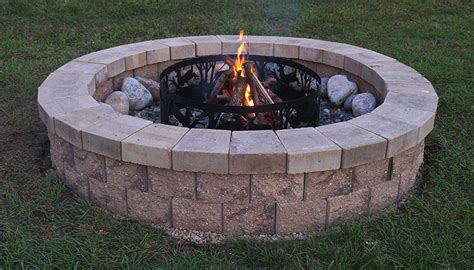 build your own backyard fire pit the allan block blog how to build your own fire pit