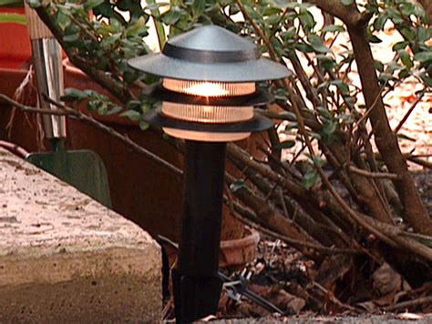 How To Install Landscape Lighting by Landscape Lighting Diy Landscaping Landscape Design