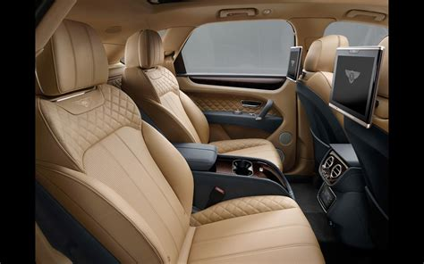 bentley bentayga 2016 interior 2016 bentley bentayga interior 3 2560x1600 wallpaper