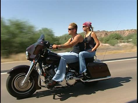 Usa Motorrad Ohne Helm by Biker Harley Davidson Highway Usa Rm Video 440 225