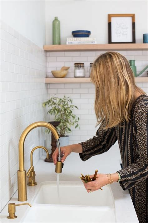 Jb Töff by 10 Easy Pieces Pull Sprayer Faucets Remodelista