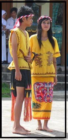 Baju Adat Dayak Tunjung kebudayaan dayak tunjung be what you want to be