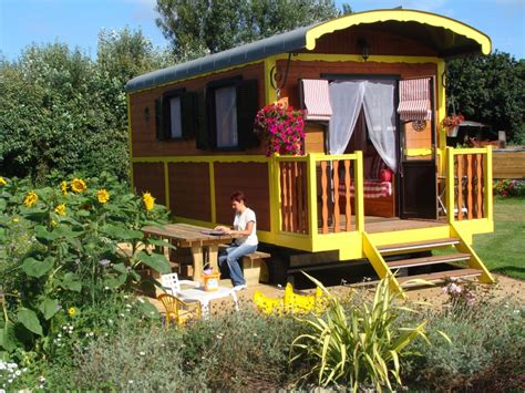 gypsy tiny house vardo gypsy wagons romani on pinterest gypsy wagon gypsy caravan and gypsy
