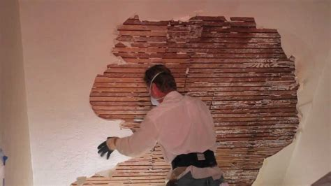 Removing Stucco From Interior Walls teaching how to remove and repair interior plaster on