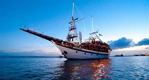 bali pirate dinner cruise sea safari dinner cruise