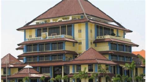 Ac Gedung kpk geledah rektorat universitas airlangga surabaya