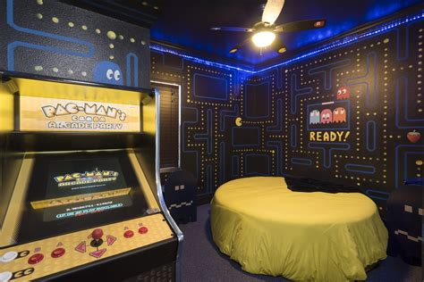 video game themed bedroom the pac man bedroom at the great escape lakeside