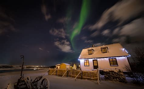 where can the northern lights be seen northern lights minibus tour guide to iceland
