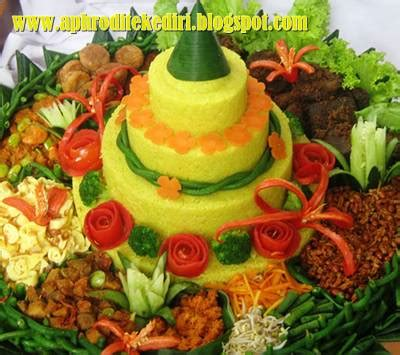 resep nasi kuning komplit