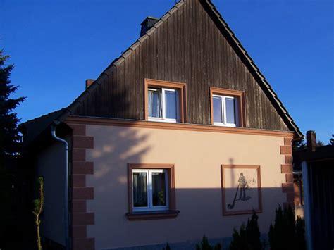 fassadengestaltung einfamilienhaus stuckarbeiten stilfassaden sanierung historischer