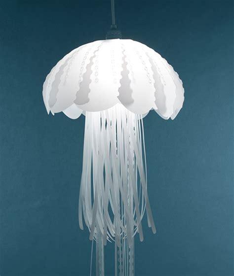 mylar jellyfish lighting reefs