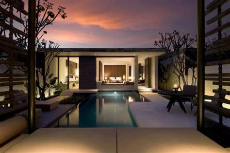 luxury resort style villas  bali alila villas uluwatu