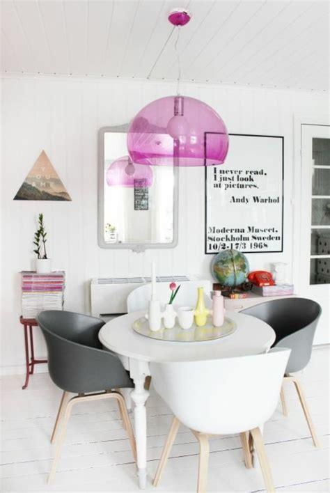 Exceptionnel Table A Manger Originale #1: 0-salle-a-manger-design-chic-table-ronde-blanche-design-moderne-lustre-rose-e1466417691209.jpg