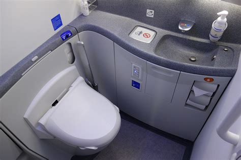 plane bathroom review ana economy class nrt to sea on boeing 787