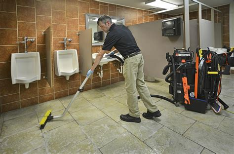 Bathroom Cleaning Pictures by Kaivac Cleaning Systems Don T Just Clean It Kaivac It