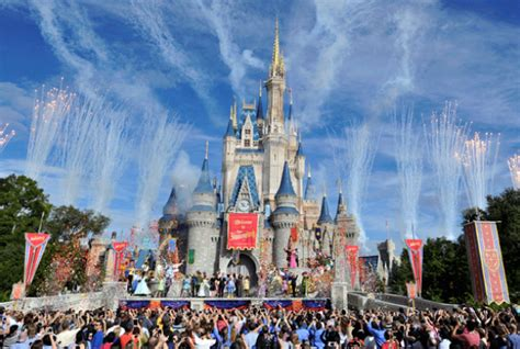 themes park disney why walt disney built a theme park on swland mental floss
